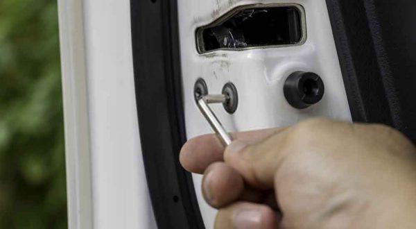 Automobile-locksmith-in-Cerritos
